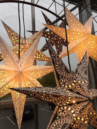 julestjerne med lys